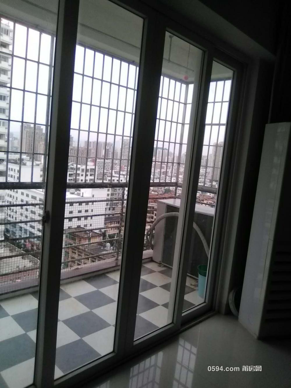 大唐广场 4房2厅2卫 采光 精装修只要3300 可直接拎包入住-