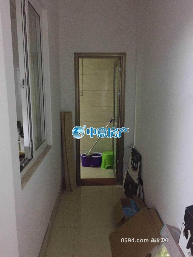 金鼎旁(阳光100)小公寓 1房1厅1卫1阳台 精装修 采光-