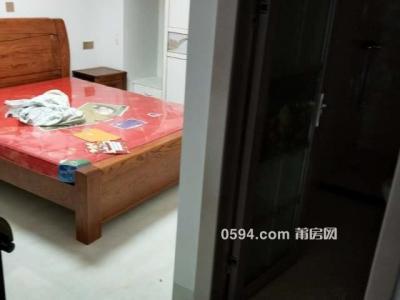 正荣财富 一室一厅二卫 南北 精装126平米 租价3600元/月-莆田租房