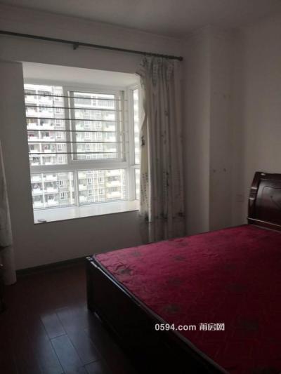 大唐广场中装4房出租,厅有60平米,可办公也可居住-莆田租房