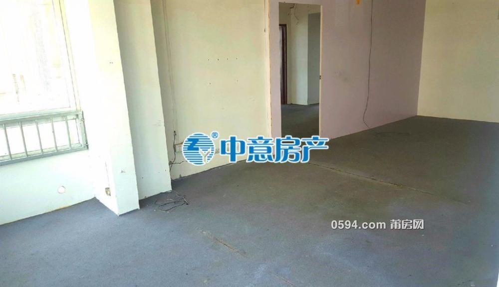逸夫小学附近 永辉超市楼上华东城市广场 中高层毛坯房-