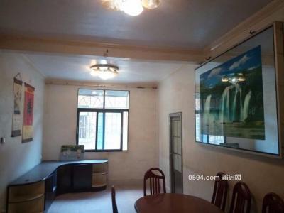 中山中学对面旧步行街楼梯房5楼3房-莆田租房