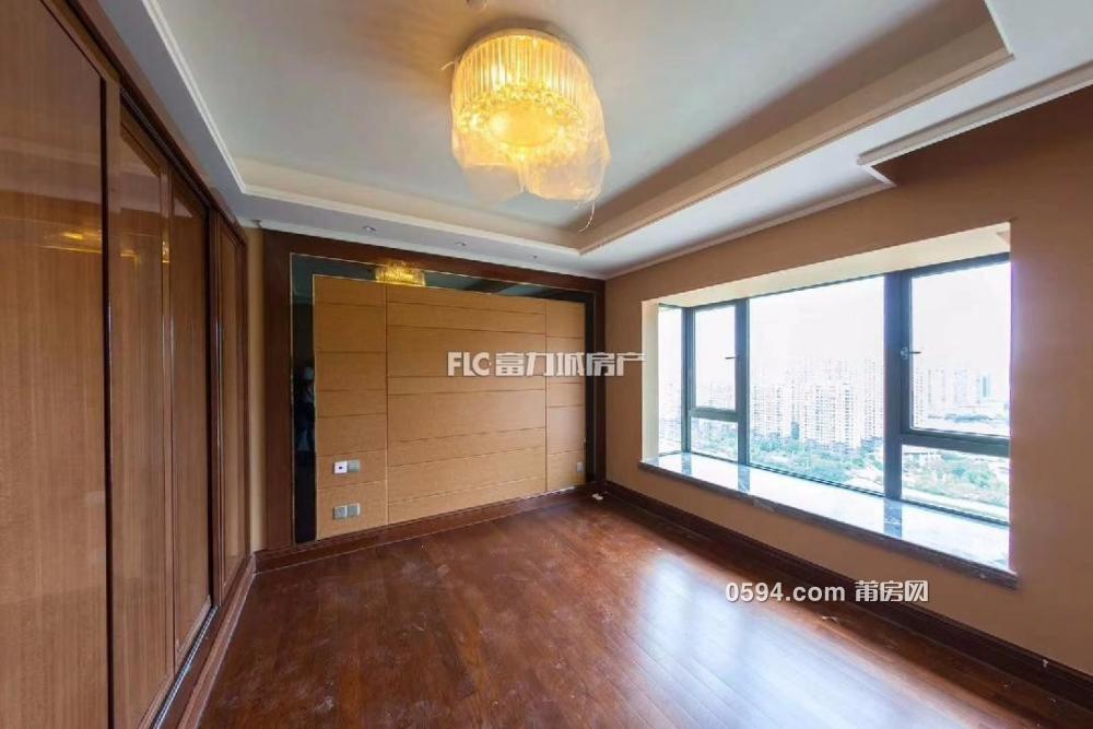 0公摊高层4房仅18400,恒大御景半岛房东急卖了,户型采光好-