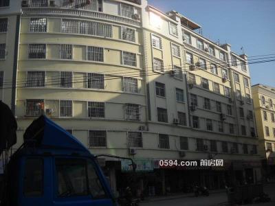 鞋材市場 大3房 廳很大 黃金樓層 只要2500一個月-莆田租房