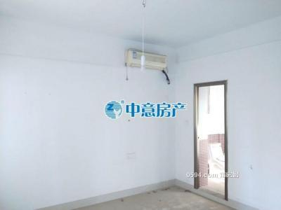 祥荣荔树湾,标准4房,户型通透三面采光,中等装修小区-莆田二手房