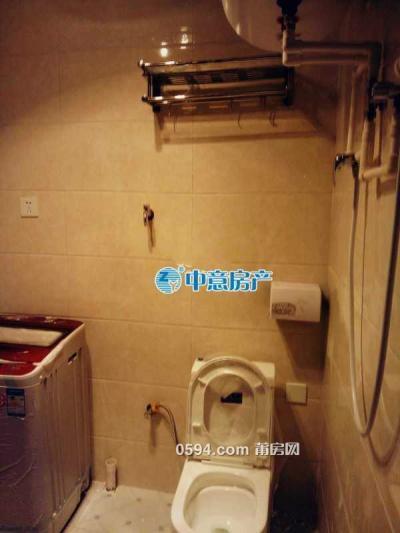 凤达滨河豪园 单身公寓 精装修 家具家电齐全 一月只要1000-莆田租房