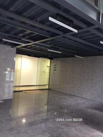 艾力艾国际广场  纯办公交通停车方便  空调月租金6600-莆田九州娱乐网