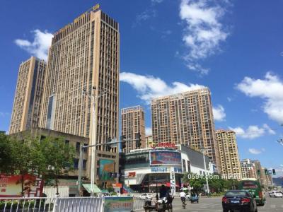 沃尔玛对面 华侨新城 中层 大三房 带装修 证满二 售9300元/平-莆田二手房