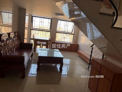沃尔玛 隆恒财富广场 居家复式精装两房 装修清楚 设备齐全-莆田租房
