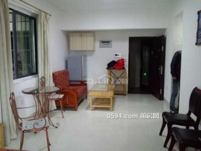 市政府附近 和成天下中装1房1厅便宜出租 1600/月 拎包入住-莆田租房