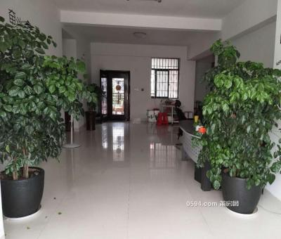 吉房,荣华新苑 3200元 3室1厅2卫 普通装修,办公居住皆可-莆田租房