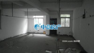 下黄安置房 两室一厅 低层楼梯房  月/3000-莆田租房