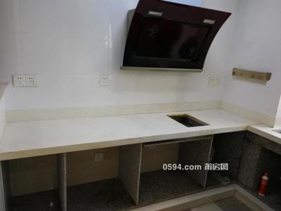 塘北路景隆凯旋城 120平 3房  普通装修 租金2200。-莆田租房