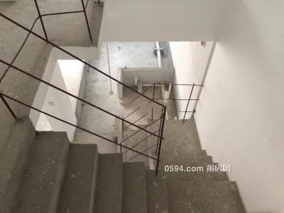 万科城楼中楼,小洋楼前后花园加地下室,使用共三层,-莆田二手房