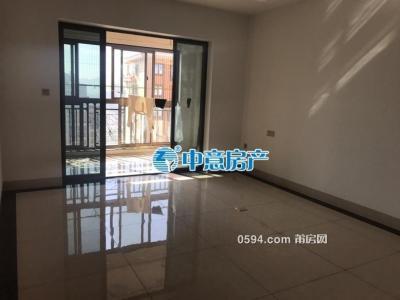 立豐左岸藍灣 精裝3房 家具家電齊全 一月只要3700元-莆田租房