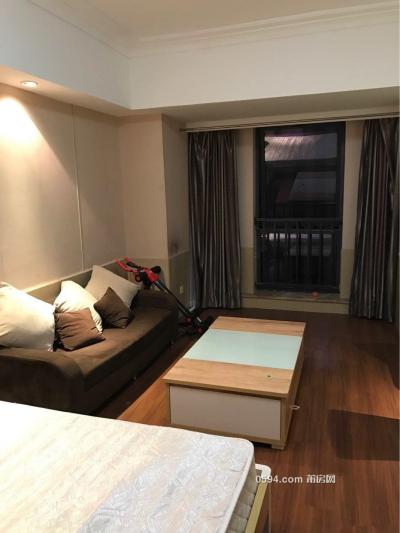 万达广场欧式风格精装单身公寓 家电家具齐全拎包住-莆田租房