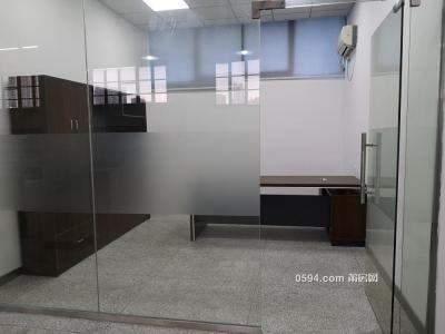 红星美凯龍附近 面积330平 每平仅租56元 办公室 看房方便-莆田租房