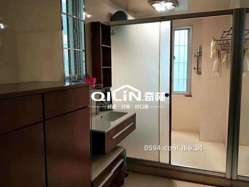 万达广场对面 荔景广场 精装4房2厅2卫 证满两年 包家具家电-室内图