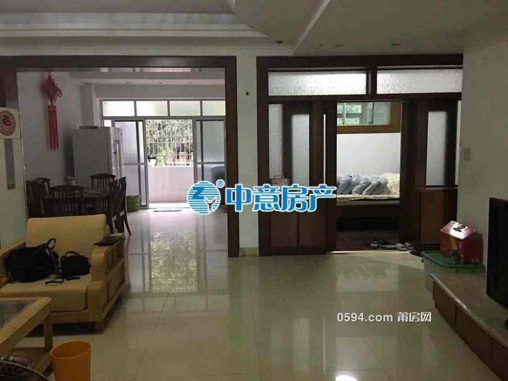 梅园西路南北通透产权面积131.58,+柴火间面积7.84只卖121万-
