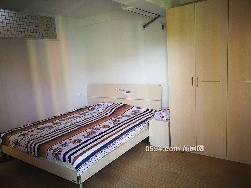 和成天下精装一房一厅公寓2000/月家具家电齐电梯高层-室内图