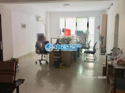三信温馨苑 南北东三面采光 办公的不二选择 一个月只要2600-莆田租房