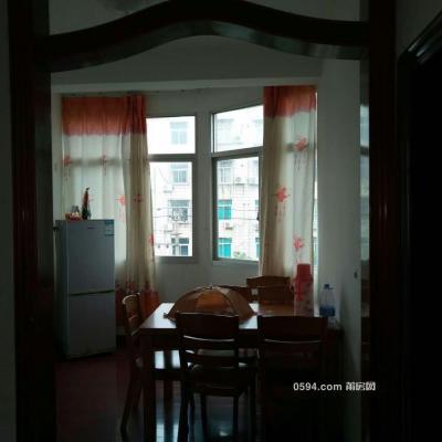 自家房子出租:三房2厅家电家具齐全,4楼1300。-莆田租房