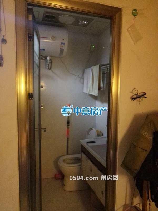 阳光100凤凰广场,38平单身公寓出租,家具齐全-