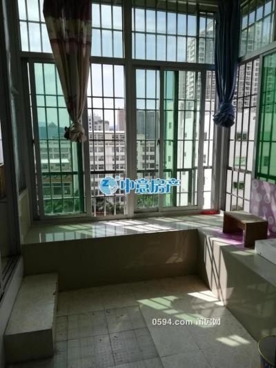 高楼小区 中装1房1厅   南北通透 月租1100-莆田租房