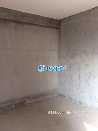 凤达滨河豪园中层毛坯三房,南北通透。看房方便-莆田二手房