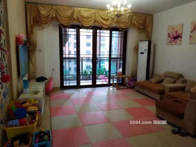 干净整洁,随时入住,凤达滨河豪园 3500元 3室2厅2卫 精装修-莆田租房