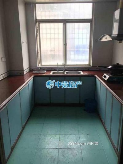 梅园西路(逸夫小学附近)3居室 家电家具齐全 租金2500元-莆田租房