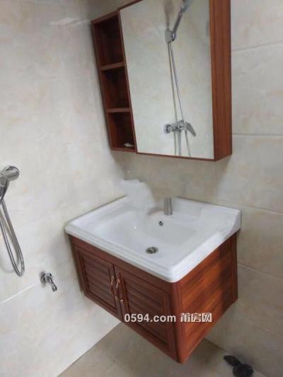 隆恒財富廣場2室1廳2衛租金2500元-莆田租房