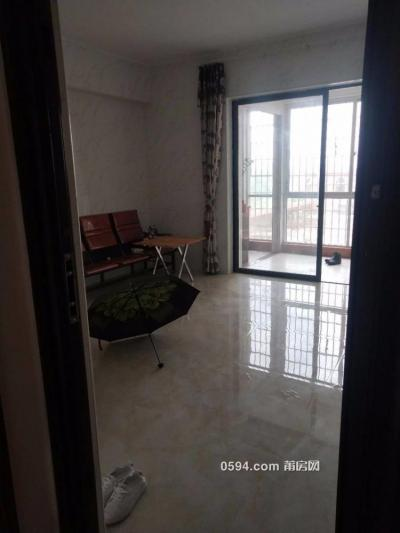 涵江延宁宫下 蓝堡湾 单身公寓有电梯有阳台租1300元包物业-莆田租房