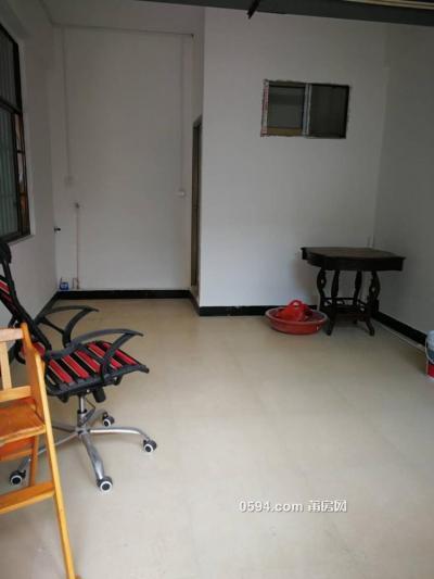 龙桥大厦 一层 中装修 可住 可办公 1600元(有洗手间的)-莆田租房
