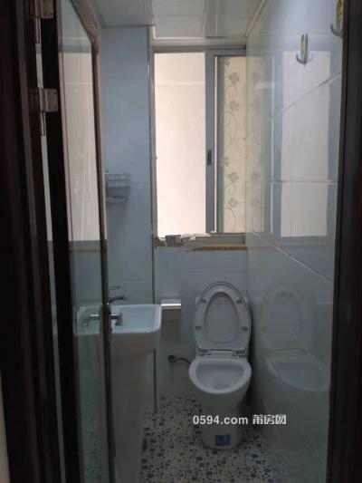西坡小区2房2厅2卫交通便利家电齐全采光好租金1900元-莆田租房