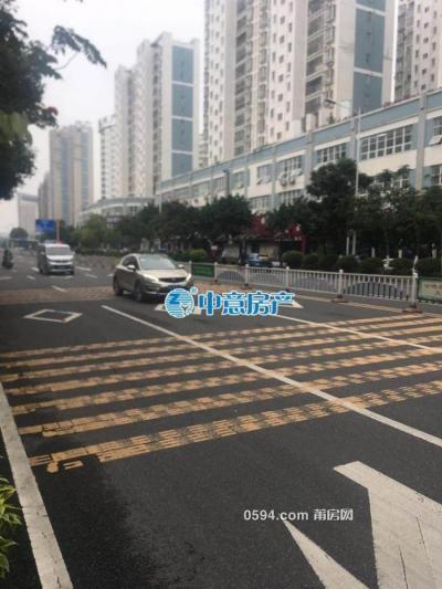 東梅小區下面 文獻東路 店面 43m2 每月5500-莆田租房