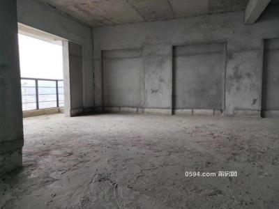 鑫焱龙德郡 133平 高层 3房2厅2卫  206万 两证齐全-莆田二手房