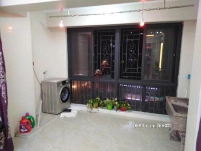 涵江沃爾瑪隆恒財富廣場3房2廳2衛租金2400,押二付一-莆田租房