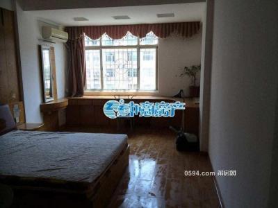 新租!梅园西路 四室两厅 2500/月 宽敞明亮 家具齐全 -莆田租房