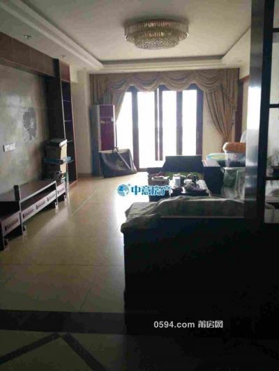 大唐广场 3室2厅 4800/月 宽敞明亮 家具齐全 高层电梯-莆田租房