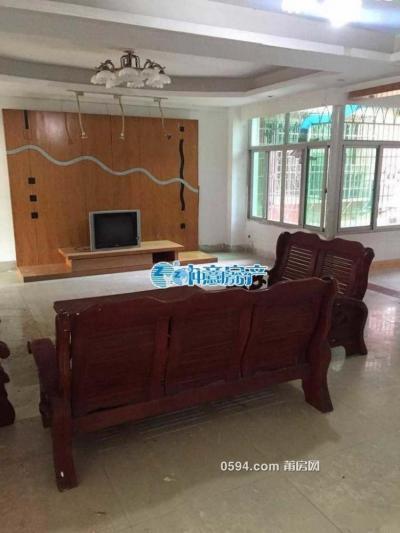 港峰大厦附近 4室 2厅 2500/月 宽敞明亮 家具齐全 -莆田租房
