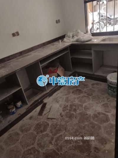 下磨市场 划片逸夫实验小学 刚需三房   新装修交付-莆田二手房