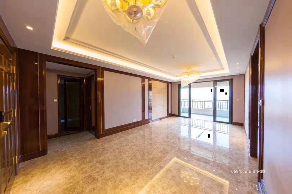 恒大御景半島樓王在小區門口 精裝140平租金4000-