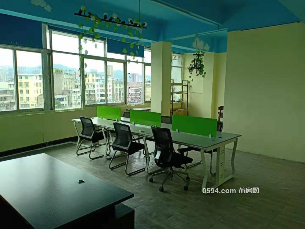 閩中互聯網產業園小型辦公室招租,免水費物業中介費