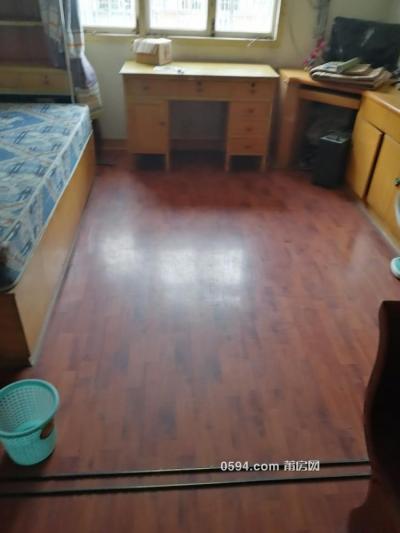北市場附近6六樓梯房三房1800元-莆田租房