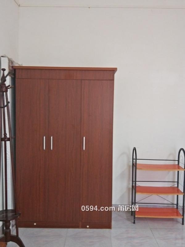 華天酒店附近帶家具家電單身公寓出租(房東)