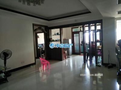 西湖小区 电梯房 黄金楼层 4房 划片梅峰.中山-莆田二手房