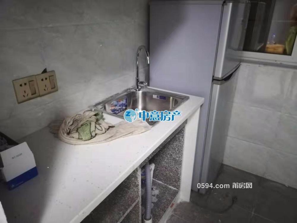東城1號附近 三潭小區 多套全新 單身公寓 拎包入住-