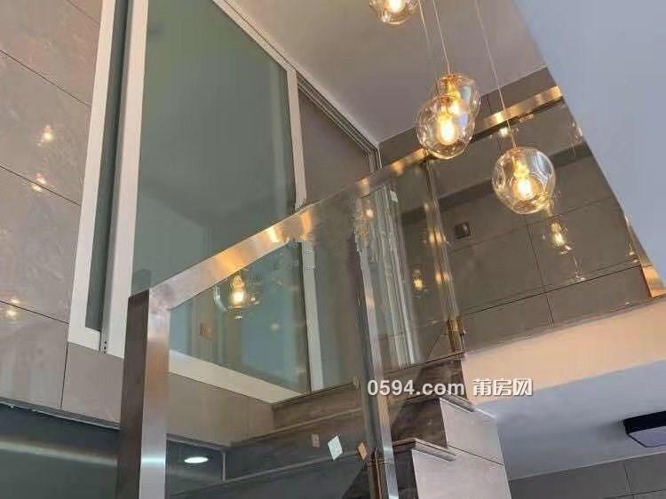 隆恒财富广场复式2房1厅50平精装拎包入住租金2300元。-