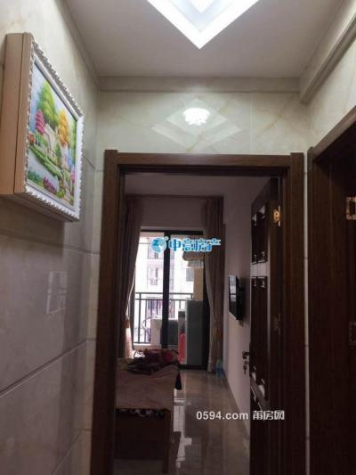 和成天下 4室2廳2衛 180.9平 精裝修 三面光-莆田二手房